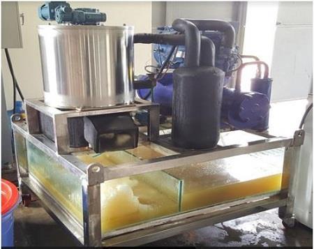 Việt Nam chế tạo thành công máy làm đá tuyết từ nước biển