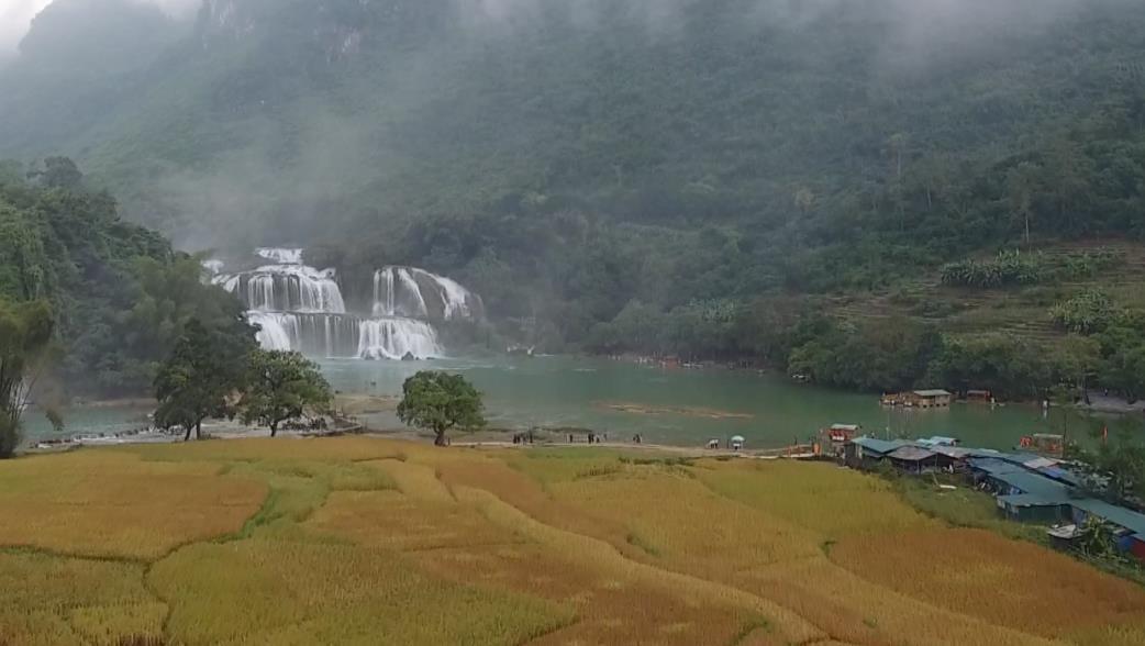 Lượng khách du lịch đến Cao Bằng tăng 26% so với năm 2017