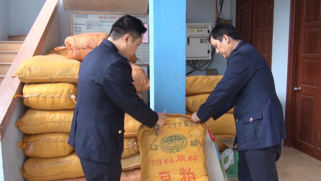 Bắt giữ hơn 2 tấn hàng hóa vận chuyển trái phép