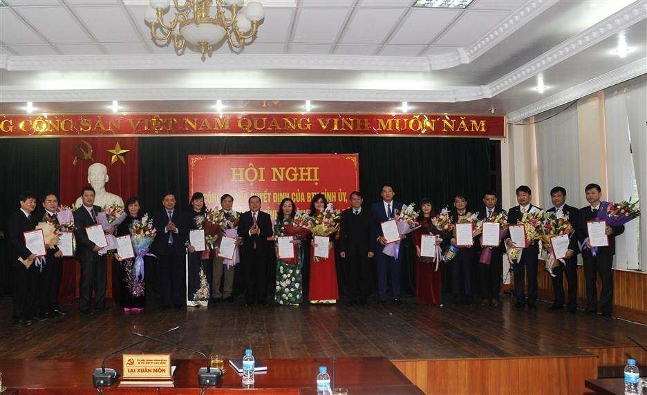 Hội nghị công bố các quyết định của Ban Thường vụ Tỉnh ủy, UBND tỉnh về công tác cán bộ
