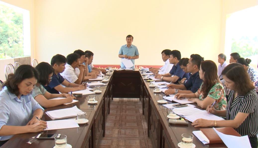 Phó Chủ tịch UBND tỉnh Nguyễn Trung Thảo kiểm tra tình hình xây dựng nông thôn mới tại xã Chu Trinh (Thành phố)