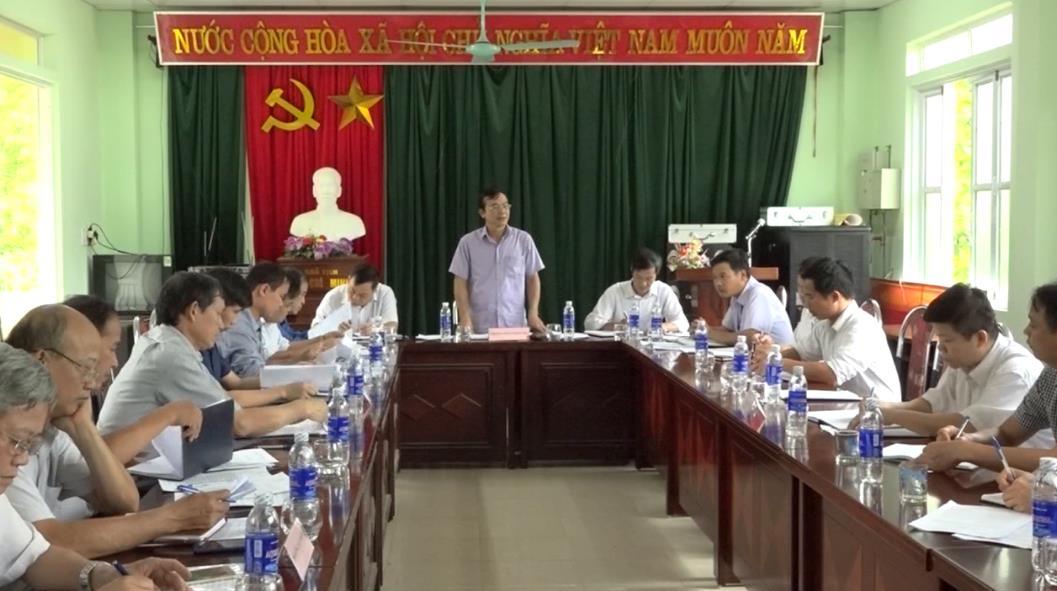 Phó Chủ tịch UBND tỉnh Nguyễn Trung Thảo kiểm tra tình hình xây dựng nông thôn mới tại xã Độc Lập (Quảng Uyên)