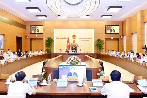 Ủy ban Thường vụ Quốc hội xem xét công tác tổ chức, nhân sự