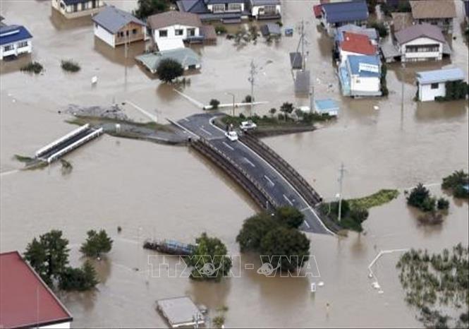 Siêu bão gây thiệt hại lớn ở Nhật Bản