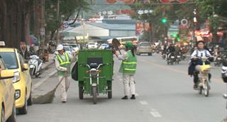 Hiệu quả bước đầu của loại hình xe điện thu gom rác