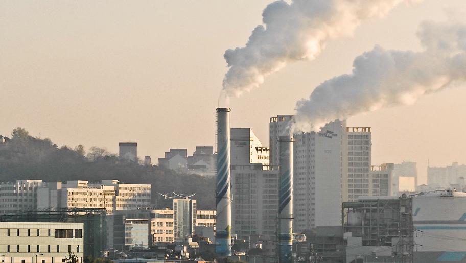 Hàn Quốc đóng cửa nhà máy nhiệt điện than để hạn chế ô nhiễm không khí