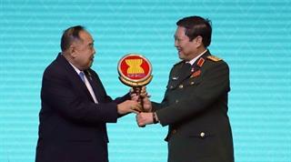 Việt Nam tiếp nhận búa Chủ tịch ADMM năm 2020 từ Thái Lan
