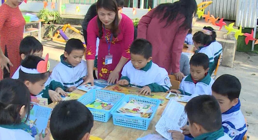 """""""Ngày hội đọc sách gia đình"""" tại Trường Tiểu học Tân An"""
