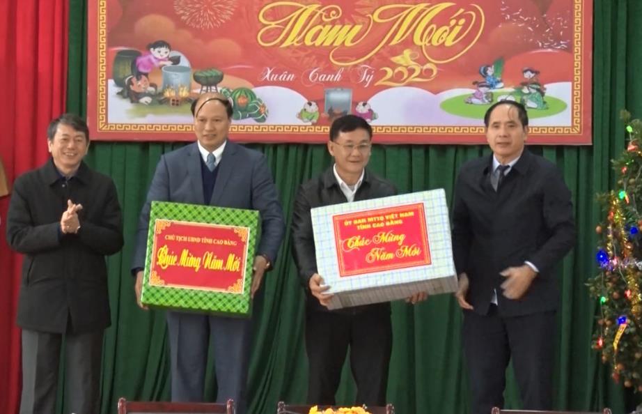Chủ tịch UBND tỉnh Hoàng Xuân Ánh tham dự gặp mặt đầu xuân tại huyện Thạch An