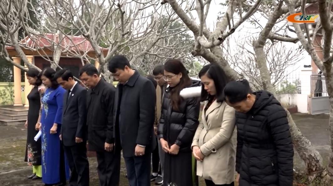 Đoàn đại biểu tỉnh dâng hương, viếng Nghĩa trang Liệt sỹ Trung Quốc