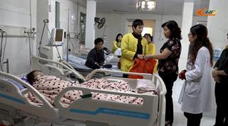 Sở LĐ-TB&XH: Thăm, tặng quà bệnh nhân đang điều trị tại Bệnh viện Đa khoa tỉnh