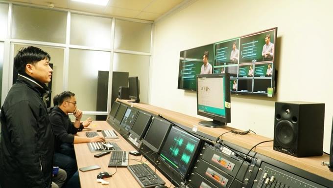 Trường Đại học Ngoại ngữ dạy học bằng phương pháp livestream