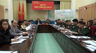 Đoàn thân nhân liệt sỹ tỉnh Cao Bằng dâng hương, tưởng niệm tại Nghĩa trang Liệt sỹ A1, tỉnh Điện Biên
