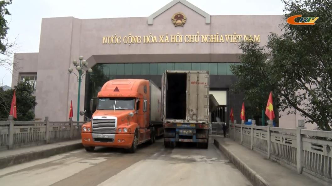 Cửa khẩu quốc tế Tà Lùng nỗ lực thông quan hàng hóa trong thời điểm dịch Covid-19