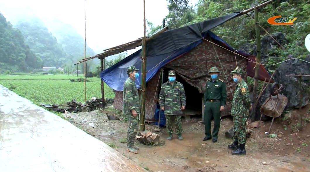 Kiểm tra các chốt phòng, chống dịch COVID-19 trên tuyến biên giới
