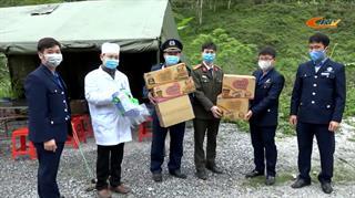 Đoàn thanh niên Sở Giao thông Vận tải tặng quà các chốt kiểm dịch tại huyện hai Nguyên Bình, Bảo Lâm