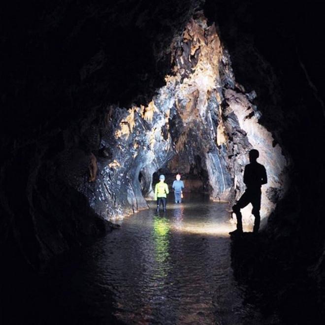 Quảng Bình phát hiện 12 hang động mới