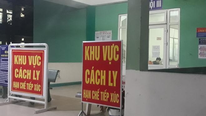 Cách ly 75 y bác sĩ 2 bệnh viện liên quan bệnh nhân 243 ở Mê Linh, Hà Nội