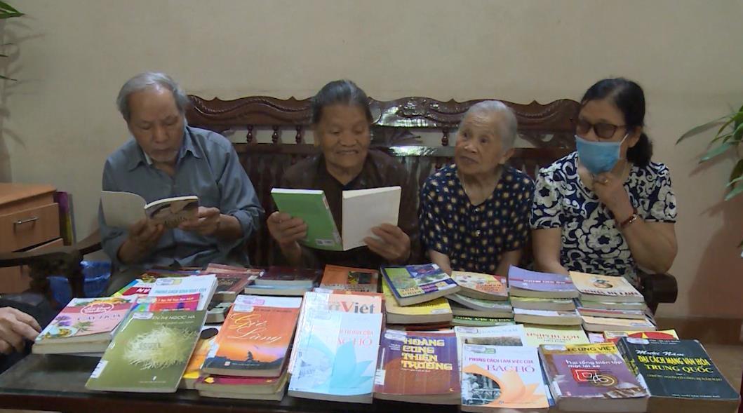 Thư viện tỉnh: Giới thiệu sách về cuộc đời, sự nghiệp Chủ tịch Hồ Chí Minh