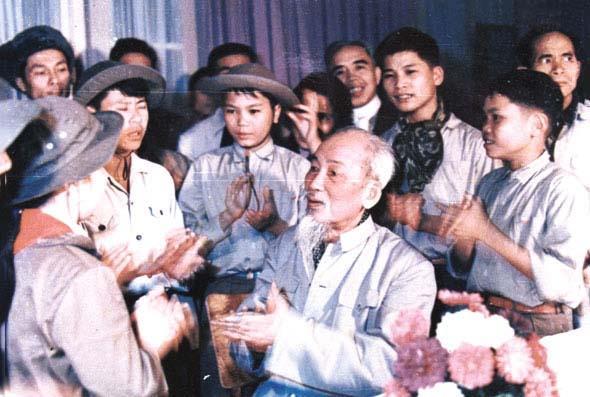 Để sức sống tư tưởng Hồ Chí Minh mãi trường tồn!