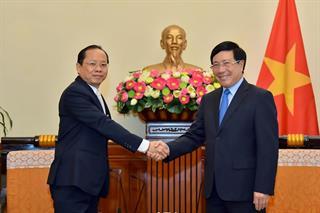 Việt Nam coi trọng và ưu tiên tăng cường hợp tác với Campuchia