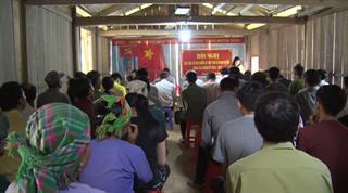 Đại biểu HĐND huyện Bảo Lạc tiếp xúc cử tri trước Kỳ họp thứ 10 HĐND huyện