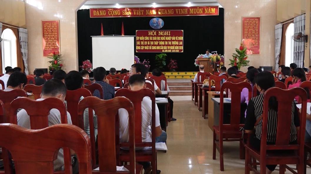 Hạ Lang: Tập huấn nâng cao năng lực giáo dục nghề nghiệp và bảo vệ trẻ em