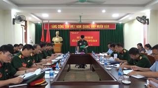 Quân khu 1 kiểm tra việc thực hiện nhiệm vụ phòng không nhân dân tại Ban CHQS huyện Hòa An