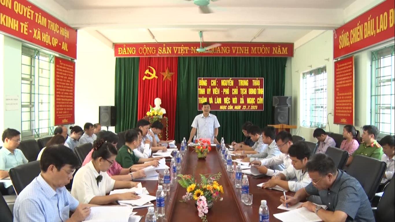 Phó Chủ tịch UBND tỉnh Nguyễn Trung Thảo kiểm tra tiến độ xây dựng nông thôn mới tại xã Ngọc Côn (Trùng Khánh)
