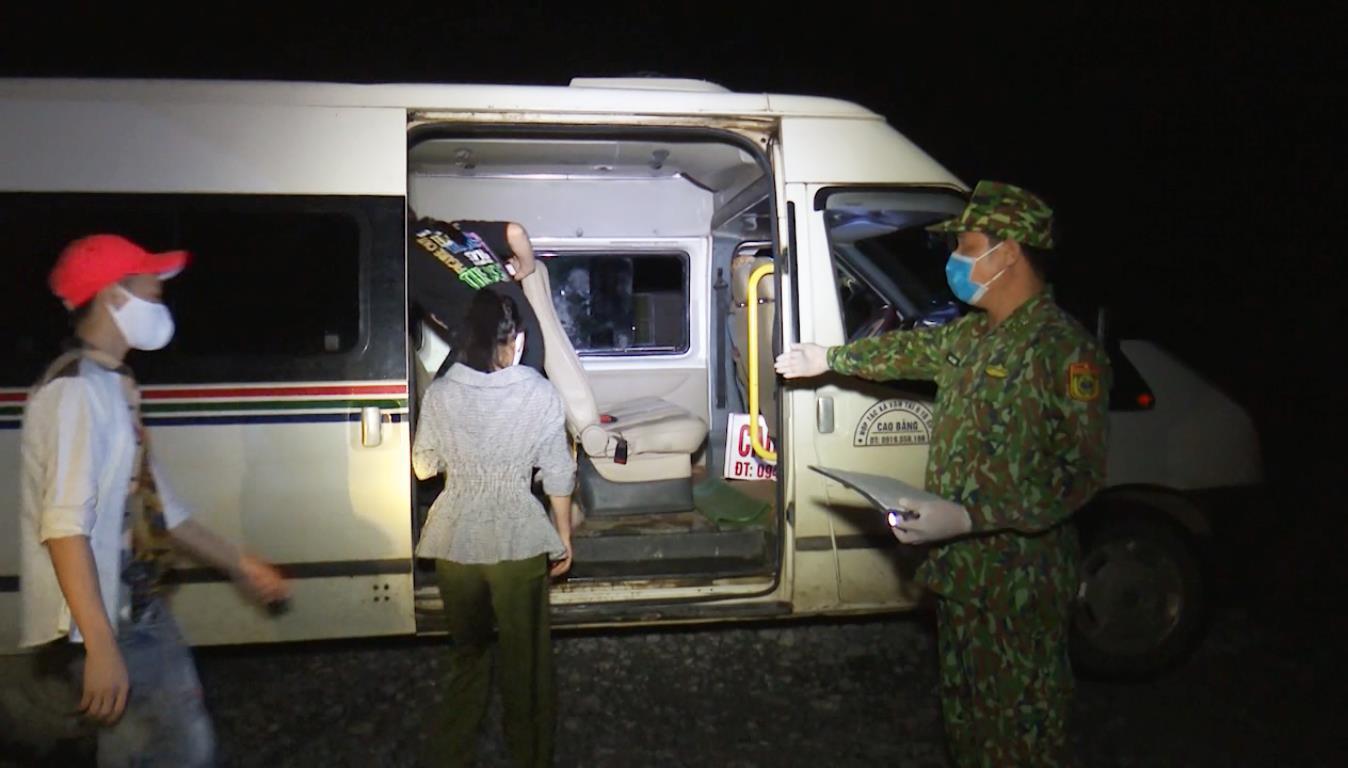 Đồn Biên phòng Quang Long phát hiện 17 công dân Việt Nam nhập cảnh trái phép