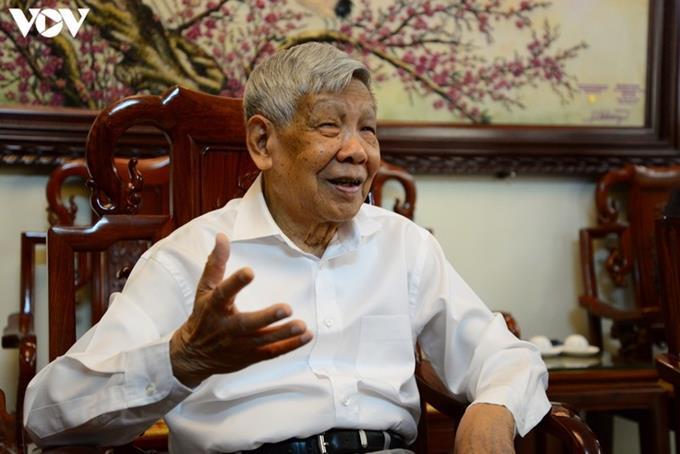 Nguyên Tổng Bí thư Lê Khả Phiêu - người Cộng sản vì nước, vì dân*