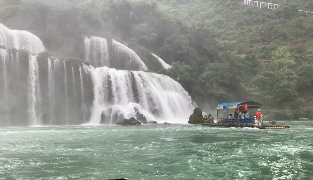 Trong tháng 7, lượng khách du lịch đến Cao Bằng giảm 68,8% so với cùng kỳ năm 2019