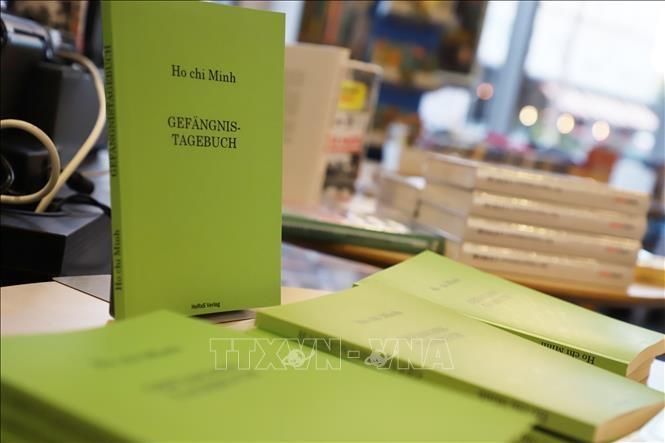 """Tái bản cuốn """"Nhật ký trong tù"""" bằng tiếng Đức"""