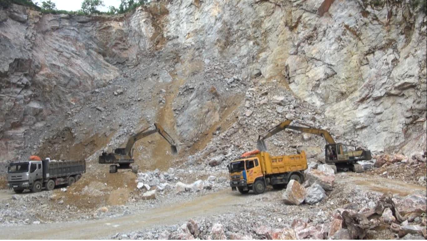 Kiểm tra thi hành pháp luật bảo vệ môi trường trong khai thác khoáng sản tại huyện Quảng Hòa