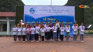 Trao học bổng cho học sinh nghèo vượt khó và tặng quà cho hội viên phụ nữ nghèo tại xã Cải Viên