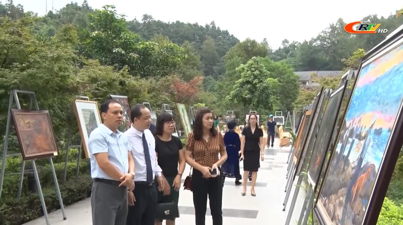 """Triển lãm mỹ thuật 3 tỉnh Cao Bằng - Bắc Kạn - Lạng Sơn lần thứ nhất """"Sắc màu hội ngộ"""""""
