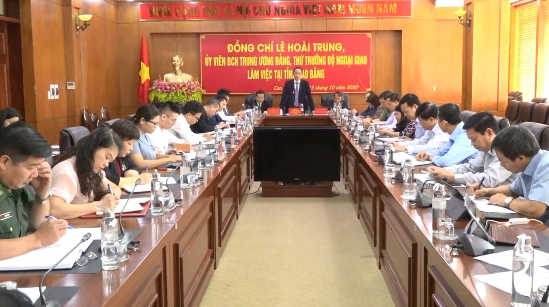 Thứ trưởng Bộ Ngoại giao Lê Hoài Trung làm việc với tỉnh Cao Bằng