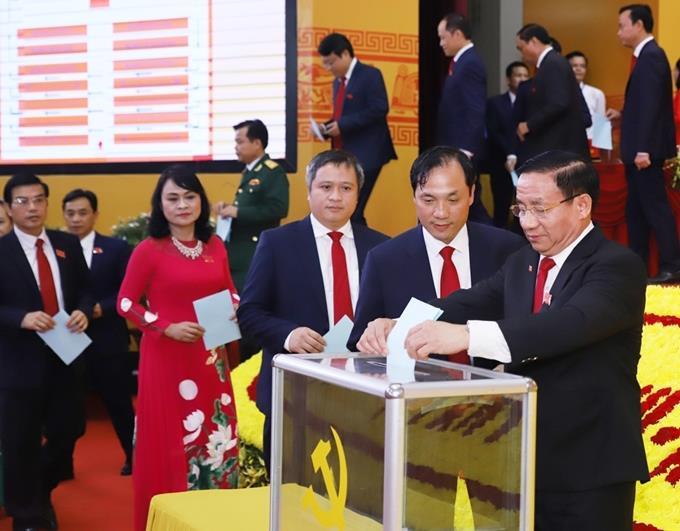 Đồng chí Hoàng Trung Dũng giữ chức Bí thư Tỉnh ủy Hà Tĩnh