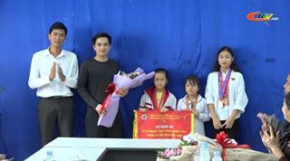 Khen thưởng đột xuất các vận động viên đạt giải khu vực và toàn quốc