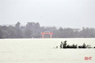Học sinh 7 huyện, thành phố ở Hà Tĩnh được nghỉ học từ 19/10 do mưa lũ