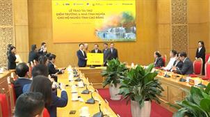 Lễ trao tài trợ 5 tỷ đồng xây điểm trường và nhà tình nghĩa cho hộ nghèo tỉnh Cao Bằng