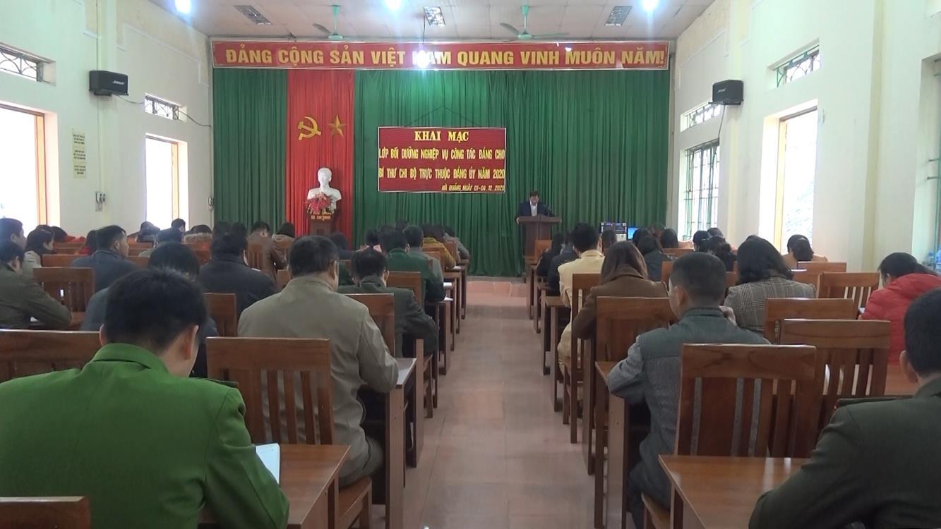 Hà Quảng: Khai giảng lớp bồi dưỡng công tác Đảng cho bí thư chi bộ và cấp ủy viên ở cơ sở