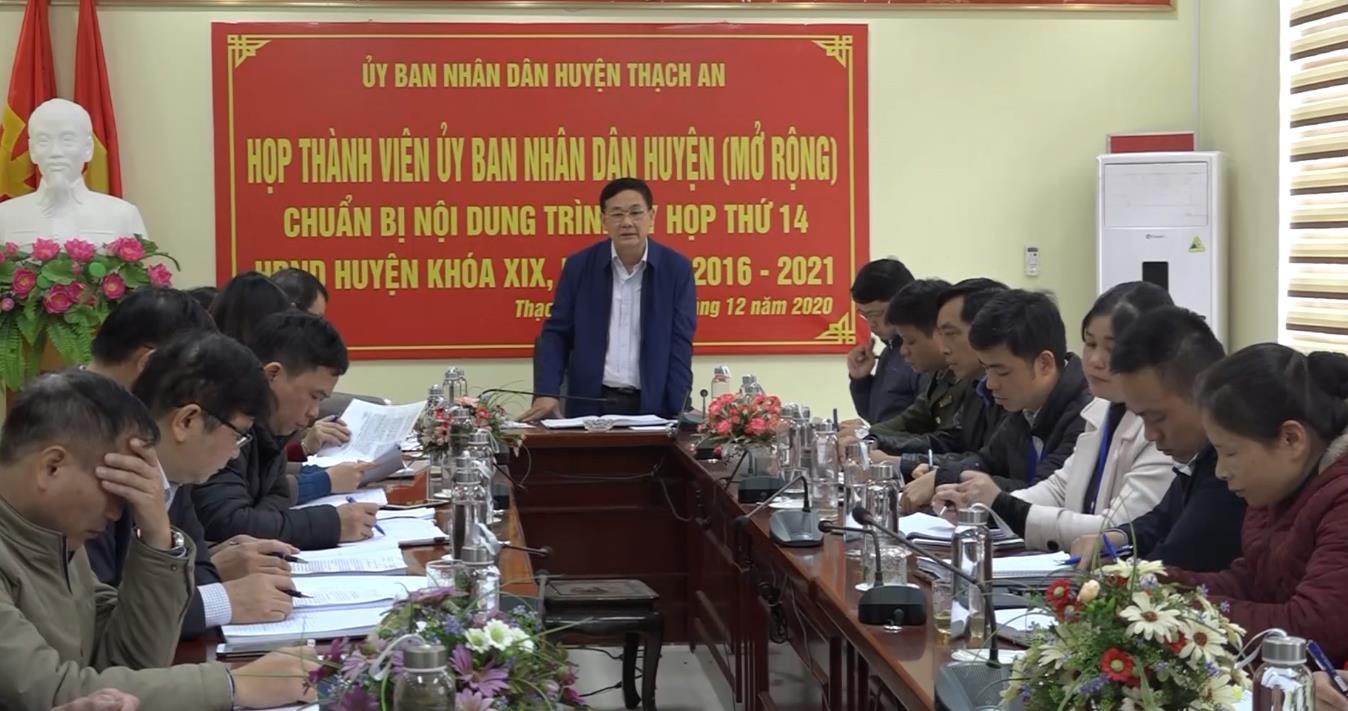 UBND huyện Thạch An họp phiên thường kỳ tháng 11/2020
