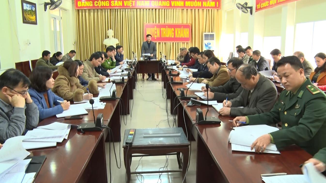 UBND huyện Trùng Khánh họp phiên thường kỳ tháng 11