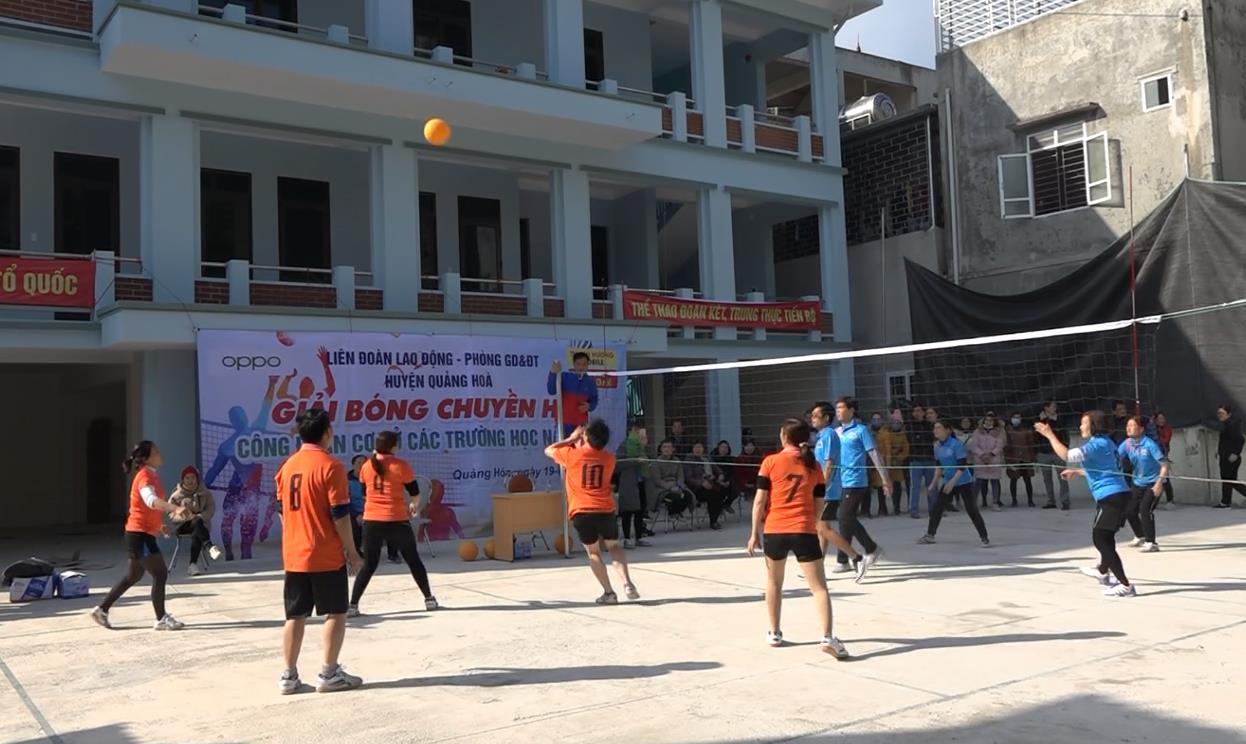 Quảng Hòa: 442 vận động viên tham gia Giải bóng chuyền công đoàn cơ sở các trường học năm học 2020 - 2021