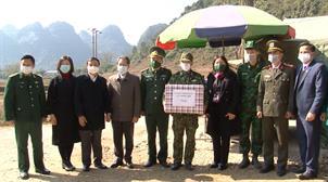 Phó Chủ nhiệm Ủy ban Pháp luật của Quốc hội thăm, chúc tết đồn biên phòng thuộc BĐBP Cao Bằng
