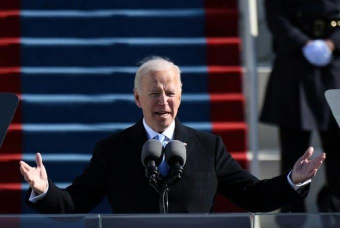 Tân Tổng thống Mỹ đảo ngược chính sách của người tiền nhiệm