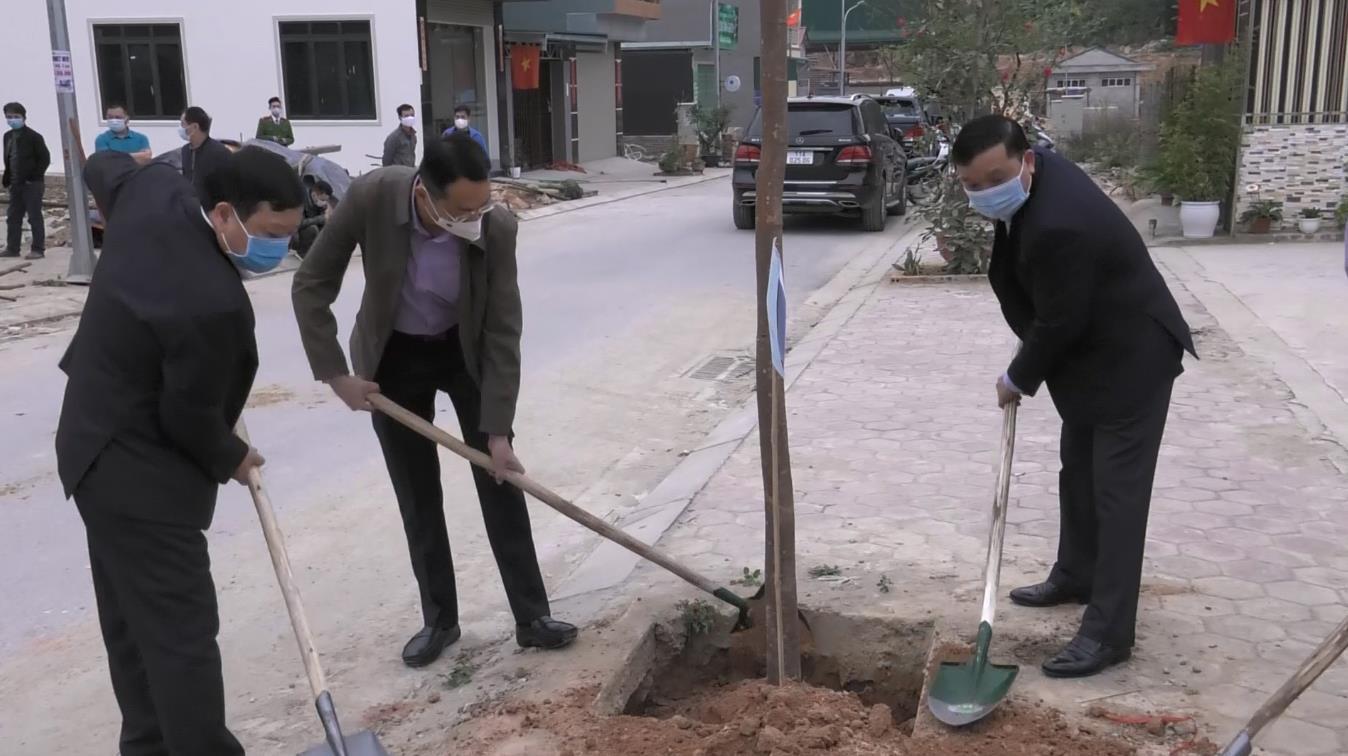 """Thành phố: Ra quân hưởng ứng """"Tết trồng cây đời đời nhớ ơn Bác Hồ"""""""