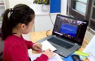 Bộ GD&ĐT nói gì về dạy học trực tuyến với học sinh lớp 1, lớp 2?