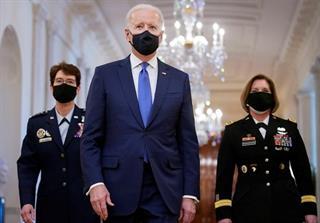 Tổng thống Joe Biden chọn 2 nữ tướng làm tư lệnh quân đội